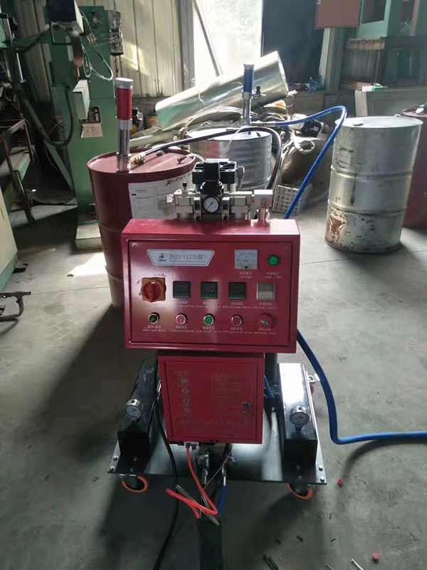 水箱保温喷聚氨酯机器